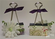 A Path of Paper: Photo Holders using a Binder Clip.aren't they cute and oh the possibilities Craft Fair Ideas To Sell, Craft Ideas, Diy Craft Projects, Crafts For Kids, Diy Crafts, Junk Drawer Organizing, Organizing Life, Binder Organization, Binder Decoration