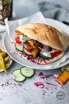 Gemüsedöner mit Aubergine, Zucchini & Paprika | eat this!