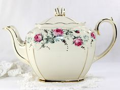 Vintage Teapot by Sadler, England - Cubed Sadler Tea Pot - 4 Cup Capacity Pot. This cutie is in great shape!... does have fine clean crazing and slight discoloration in bottom rim (interior). This is