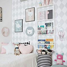We are so happy to show you this beautiful room by @lenafrydrych of @dotsmylove !! @kalaluszek