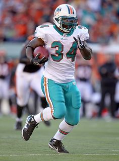Ricky Williams - Miami Dolphins Nfl Football Players 7c6271527
