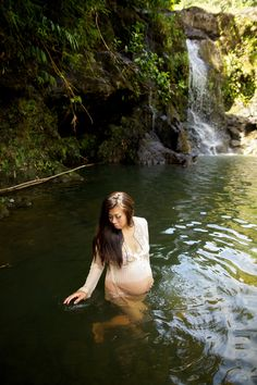 #exotic #maternity #tropical #hawaii #maui #anniversary #bamboo forest #waterfall