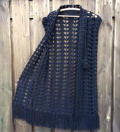 Diy Crafts - artesanato,croche-Simple and absolutely free for your links. Crochet Jumper, Crochet Vest Pattern, Crochet Socks, Crochet Jacket, Cardigan Pattern, Crochet Cardigan, Cute Crochet, Crochet Clothes, Crochet Top