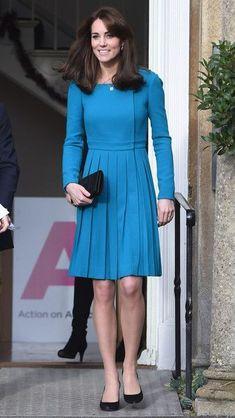 Style Kate Middleton, Kate Middleton News, Kate Middleton Outfits, Princess Kate Middleton, Kate Middleton Prince William, The Duchess, Duchess Of Cambridge, Blue Dresses, Dresses For Work