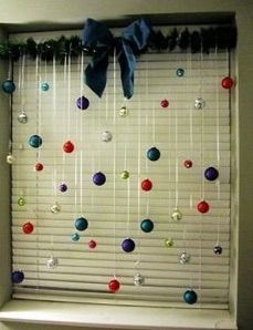 The BEST DIY Christmas Decorations and Craft Ideas! Everything from Outdoor Decoration, Table Settings, DIY Holiday Crafts, and Home Decor! Noel Christmas, Winter Christmas, Christmas Ornaments, Hanging Ornaments, Christmas Balls, Christmas Windows, Christmas Ribbon, Silver Ornaments, Ball Ornaments