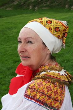 """dokudoki: """" Female folk costumes from Western Slovakia. Folk Costume, Costumes, Folk Dance, Attractive People, Central Asia, Ethnic Fashion, Vera Bradley Backpack, Traditional Outfits, Celtic"""