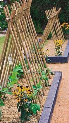24 Easy DIY Garden Trellis Ideas & Plant Structures – A Piece of Rainbow - New ideas Backyard Vegetable Gardens, Vegetable Garden Design, Veg Garden, Garden Cottage, Garden Trellis, Outdoor Gardens, Potager Garden, Garden Planters, Garden Art