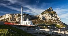 Admire all the charm and the beauty of Gibraltar in this fantastic tour from Estepona - Estepona - Tours2dream