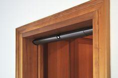 M1 Automazione magnetica per porte scorrevoli a scomparsa. Portata 50kg max - uso residenziale.