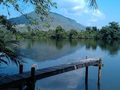 Kampot River (cambodia) - there is a guesthouse practically on the river we can stay at