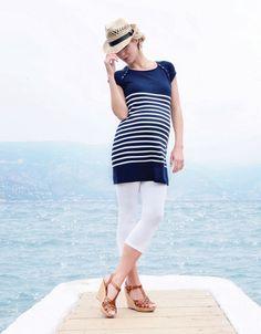 #Tunique rayée de #grossesse et d' #allaitement #Seraphine pour un look marin chic: #Robe bleue de #maternité #Seraphine idéale pour une journée à la mer: http://www.seraphine.fr/robe-de-maternite-et-d-allaitement-bleu-azur.html