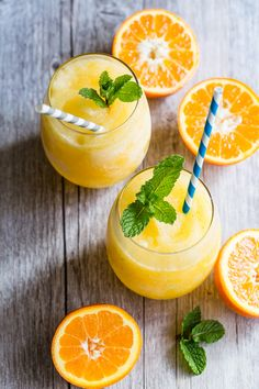 Frozen Prosecco -Frozecco- mixed with fresh squeezed orange juice and blended into a slushy consistency. This is a drink that you have to make this summer!