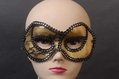 65185 GOLD AND BLACK MASK