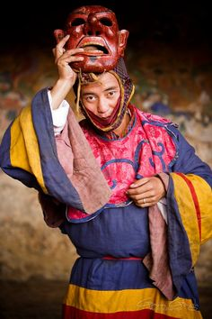 Gavin Gough-Travel photographer A masked dancer at the Tamshing Monastery Tsechu festival, Bhutan Costumes Around The World, Festivals Around The World, We Are The World, People Of The World, World Of Color, Travel Photographer, Buddhism, Afghanistan, Cosplay Costumes