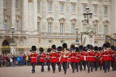 Seven top free things to do in London #escapesnaps Location: Buckingham Palace