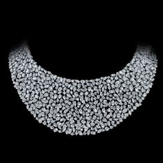 Messika White gold necklace with diamonds. Prestige collection