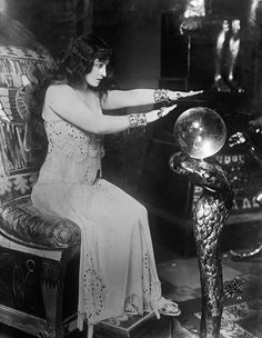 Pauline Frederick as Potiphar's Wife, c.1912.