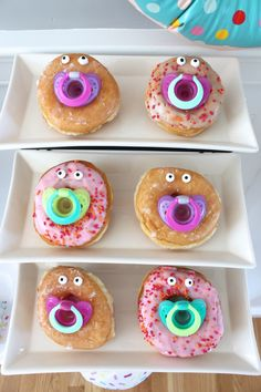 babyparty ideen essen dekorieren baby donuts schnuller #baby #decoration