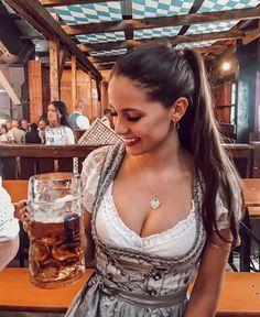 German girl in drindl Octoberfest Girls, Oktoberfest Beer, German Girls, German Women, Beer Girl, Dirndl Dress, Beer Festival, Up Girl, Root Beer