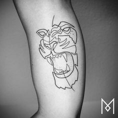 A selection of the latest One Line Tattoos by artist Mo Ganji, based in Berlin, who creates beautiful minimalist tattoos consisting of a single and unique l Mini Tattoos, Cute Tattoos, Unique Tattoos, Body Art Tattoos, One Line Tattoo, Single Line Tattoo, Silhouette Tattoos, Lion Tattoo Design, Tattoo Designs
