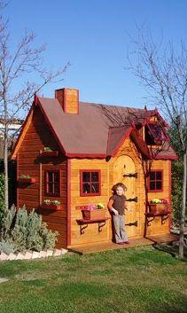 Casita de madera infantil modelo Baviera color miel.