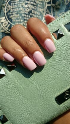 Gelish nails - Baby Pink