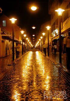 FORT DE FRANCE la nuit .....