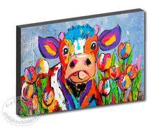 Vrolijk Schilderij,print op canvas, Koe tussen de tulpen vanaf