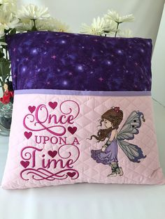 Glorious All Time Favorite Sewing Projects Ideas. All Time Favorite Top Sewing Projects Ideas. Book Pillow, Reading Pillow, Diy Sewing Projects, Sewing Ideas, Sewing Patterns, Silver Pillows, Pillow Embroidery, Pillow Inspiration, Machine Embroidery Projects