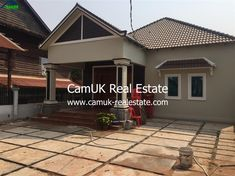 An attractive and brand new 2-bedroom villa becomes available for rent in Slor Kram Commune, Siem Reap Town. The property appeared fully furnished and a large secured parking space. Every bedroom equipped with air-conditioning, a fitted wardrobe, bedside table and an en-suite bathroom. Moreover, the living room provides furnished with a nice sofa set and …