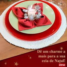 Christmas Dining Table, Christmas Table Settings, Christmas Table Decorations, Diy Party Decorations, Christmas Napkin Folding, Paper Napkin Folding, Christmas Napkins, Easy Diy Christmas Gifts, Elegant Christmas