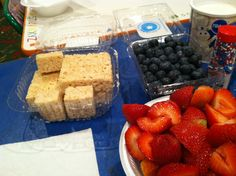 Durning our art and craft parties we decorate rice Krispy treats and also cookies for some yummy edible fun jolasjoyfulevents.com follow us on twitter @jolas joyful events Craft Party, Diy Party, Party Ideas, Rice Krispie Treats, Rice Krispies, Brain Models, Joyful, Kid Stuff, Easy Diy