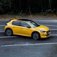 Peugeot 208, 3008 Peugeot, Hatchback Cars, Car Design Sketch, Bmw, Vehicles, Instagram, French People, Cars