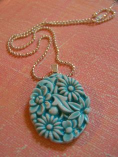Flower Power Porcelain Necklace in turquoise