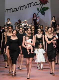 The mamma-filled finale at Dolce & Gabbana fall 2015