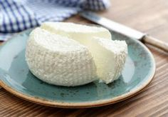 Making ricotta cheese is easy! With only three ingredients, this recipe for homemade cheese is simple to tackle at home; an easy beginner homestead project. How To Cook Rice, How To Make Cheese, Food To Make, Making Cheese, Zucchini Lasagna Recipes, Ricotta Cheese Recipes, Mascarpone Cheese, Homemade Ricotta Recipe, Homemade Cheese