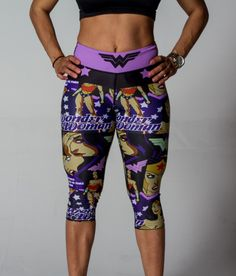 Purple and Wonder Woman 😍💜 Workout Attire, Workout Wear, Wonder Woman Logo, Workout Capris, Fit Women, Strong Women, Women's Leggings, Fitness Fashion, Superman