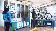 A empresa italiana Novatec é responsável por uma invenção que pode facilitar a vida de ciclistas em grandes metrópoles. Trata-se de uma estação de lavagem automática de bicicletas, batizada de QBike.