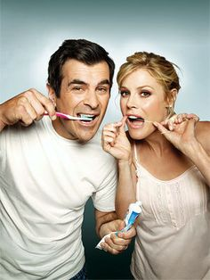Claire and Phil Dunphy - Modern Family ---seriously, future josh and me. Dental Humor, Dental Hygiene, Dental Care, Julie Bowen, Little Bit, Tv Couples, Star Wars, Modern Family, Best Tv