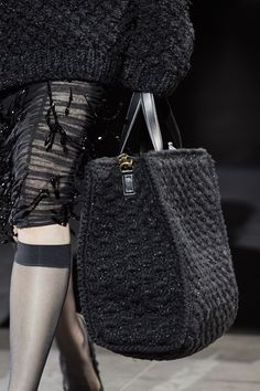 2020 Fashion Trends, Fashion 2020, Gypsy Bag, Fashion Bags, Womens Fashion, Crochet Handbags, Knitting Accessories, Knitted Bags, Knitting Designs