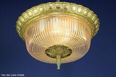 Klassieke plafonniere 21613 Bekijk ook onze antieke kroonluchters op www.lansantiek.com!