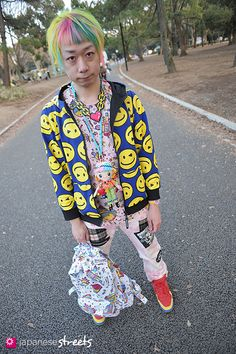 Normally I'm not into mens' fashion, but this outfit is too awsome not to pin. Junya(Junnyan) in Harajuku,Tokyo