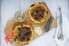 Tarte au confit d'oignons C'est Bon, Pie, Desserts, Food, Balsamic Vinegar, Torte, Cake, Meal, Fruit Pie