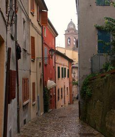 Santarcangelo di Romagna, Cobble stone road by Golosa Italia