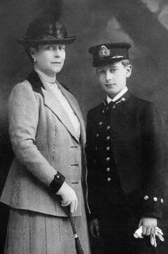 Princess Louis of Battenberg with her son Prince Louis of Battenberg, later known as Lord Louis Mountbatten