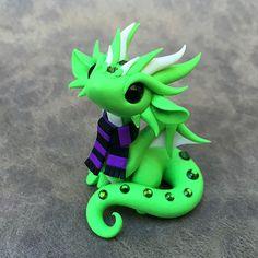 Green Scarf Dragon von DragonsAndBeasties auf Etsy