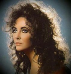 Elizabeth Taylor in rare wild hair pose