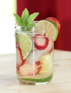 Strawberry and Lime Moscato Mixer
