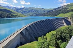 The Roseland Dam in French Alps What Is A Dam, Center Blog, Centre, Civil Engineering Construction, French Alps, France, Water Supply, How To Level Ground, Beautiful Landscapes