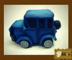 Jippe infantilizado confeccionado em biscuit. www.facebook.com/gaiotto.atelier http://agaiotto.blogspot.com atelier.gaiotto@gmail.com F: (19) 3012-3588